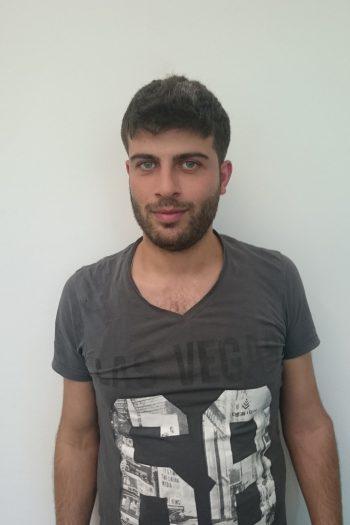 Maamoun Ghazaleh sucht Ausbildungsplatz im Flugzeugbau